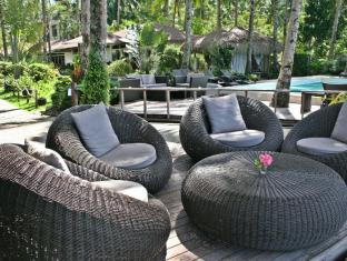 Cadlao Resort and Restaurant El Nido - Pool Lounges