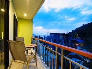 Kalim Beach Place Phuket -  Balcony with good view