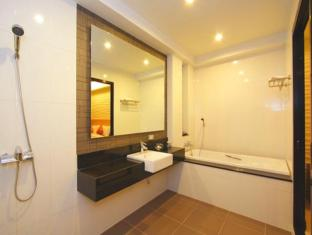 Kalim Beach Place Phuket - Luxuries Executive  Suite Bathroom