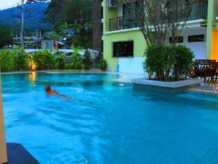 Kalim Beach Place Phuket - Swimming pool