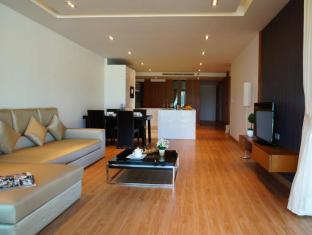 Kalim Beach Place Phuket - 2 Bedroom suites living zone