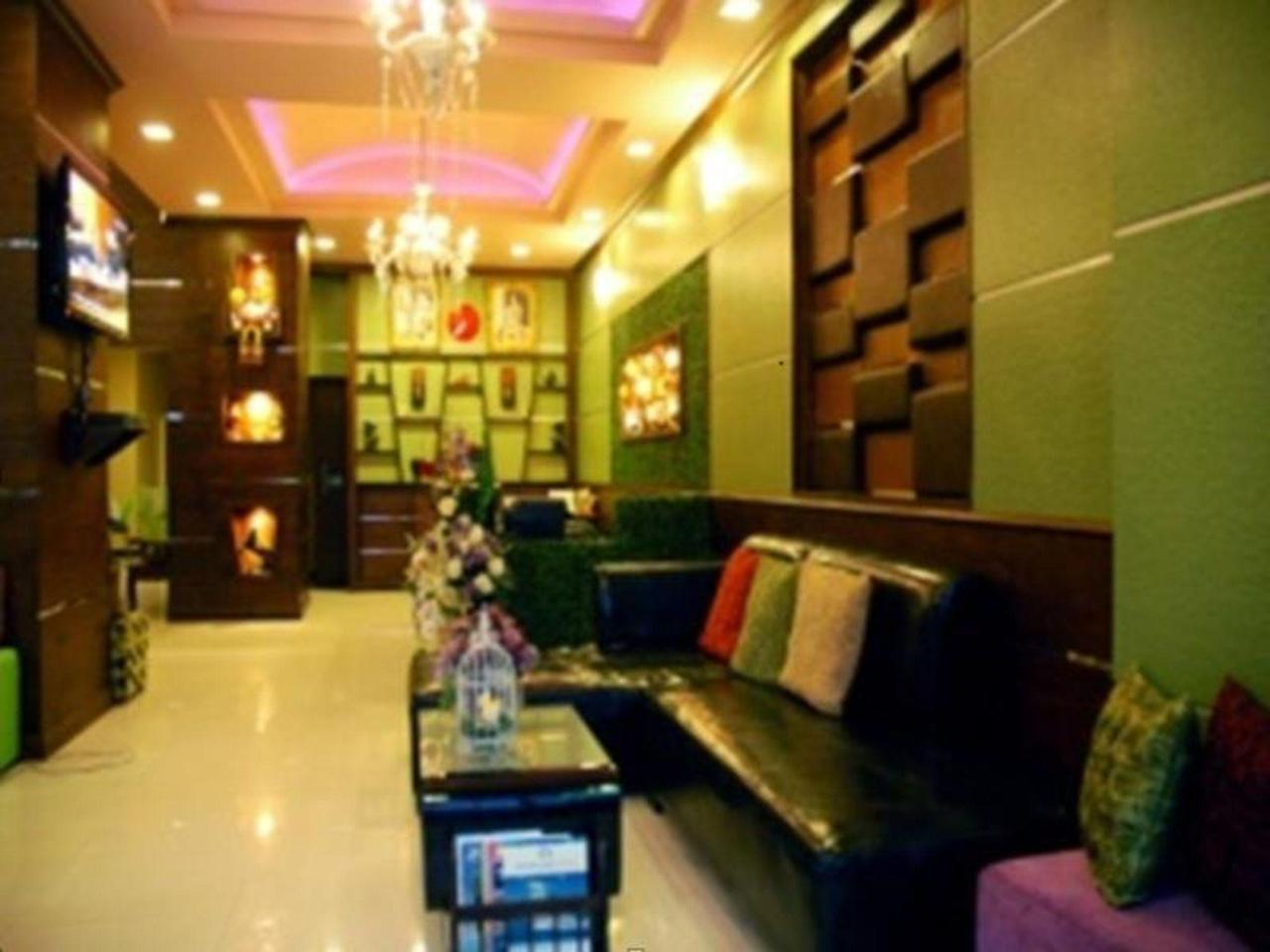 โรงแรมเอ แมนชั่น (A Mansion Hotel)