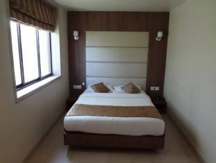 Hotel Royal Park Mumbai - Guest Room