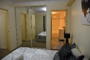 Spacious 2BR Apt in Darling Harbour w/Parking(70b) review