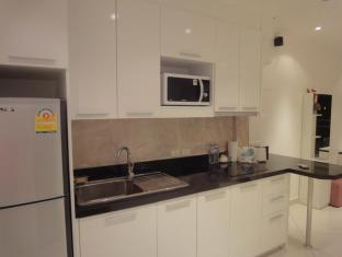 Vtsix Condo Rentals at View Talay 6 Pattaya Pattaya - Fully Equip Kitchen