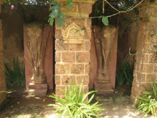 Maisons d'Amis de Khuon Tour Phnom Penh - Garden