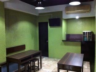 P Hostels & Residences Manila - Common Area