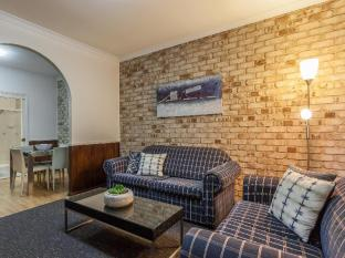 Highlander Motor Inn and Apartments Toowoomba - Lounge room Apartments