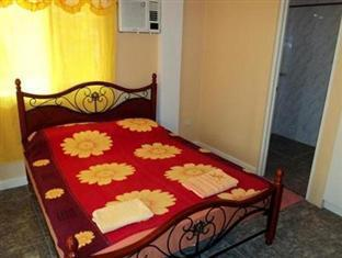 Menchus Pension House Bohol - Guest Room