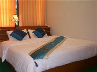 Portside Hotel guestroom junior suite