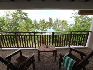Amun Ini Beach Resort & Spa Bohol - Washed pebbles on the balcony
