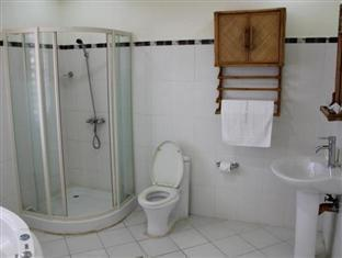 Grande Sunset Resort Bohol - Honeymoon Suite Room Bathroom
