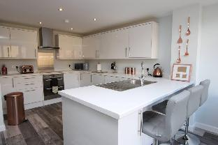 Brand NEW Bright 3 Bed Townhouse-Near Temple Meads
