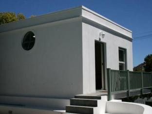 AfricanHome Guesthouse Cape Town - Private Cottage Exterior