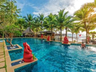 Andaman White Beach Resort Phuket - Resort Main Pool