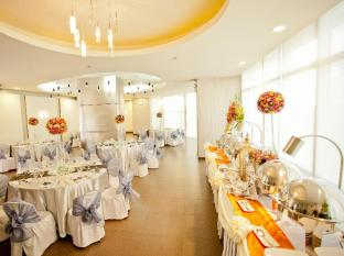 The Exchange Regency Residence Hotel Manila - Ballroom