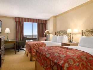 room of Hilton San Antonio Airport Hotel