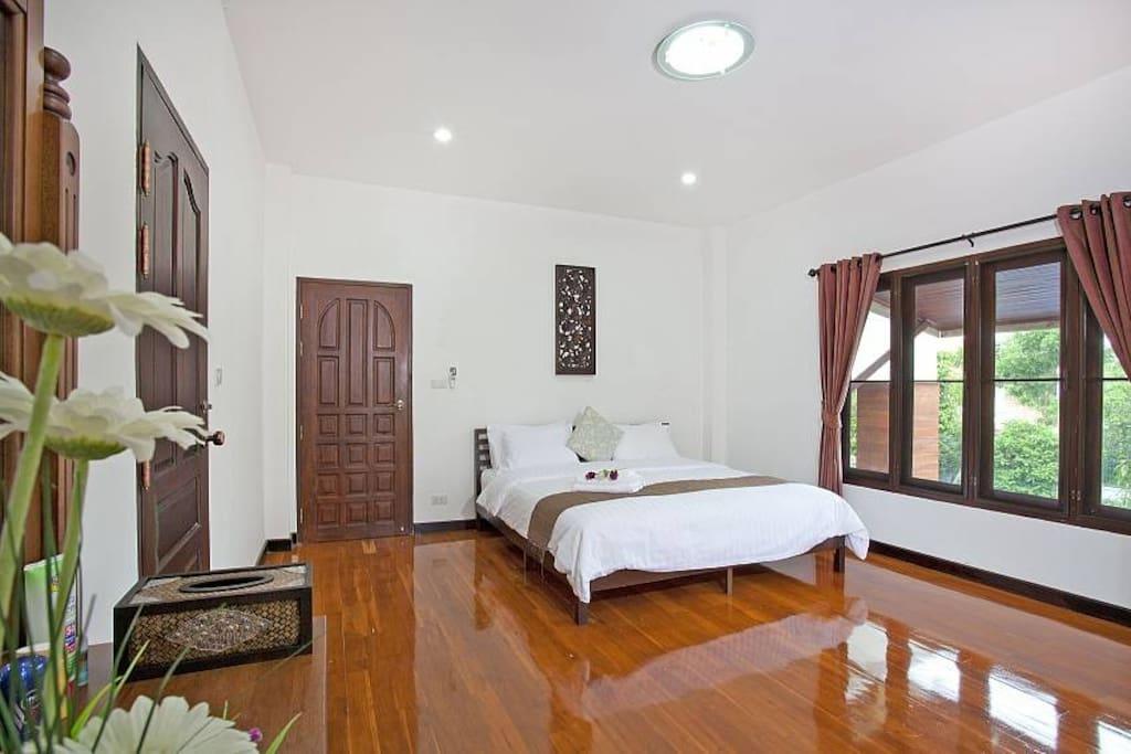 ,Lanna  Villa 6 + 2 Bed Sleeps 15 in Chiang Mai