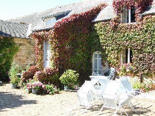 Wisteria Spacious 3 Bedroom Apartment in Normandy
