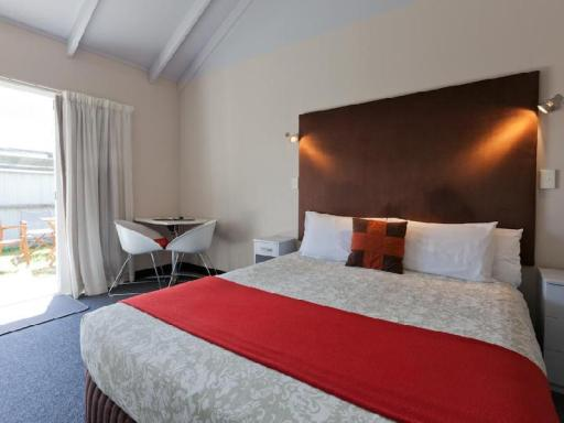 Best PayPal Hotel in ➦ Whangamata: Breakers Motel
