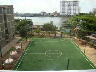 Thanh Da Hotel Ho Chi Minh City - Football stadium
