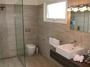 Best guest rating in Killarney ➦  takes PayPal
