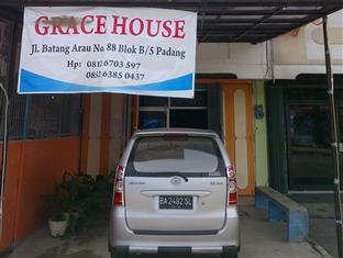 Grace hostel padang