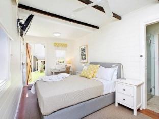 Admiral Collingwood Lodge guestroom junior suite