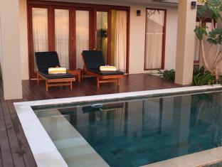 Villa Pantai Senggigi Lombok - Swimming Pool | Bali Hotels and Resorts