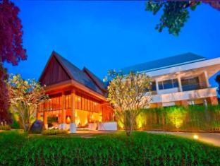 Thanyapura Sports Hotel Phuket - Sports Hotel Entrance