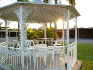 Castle Motor Lodge Whitsundays - Tuin