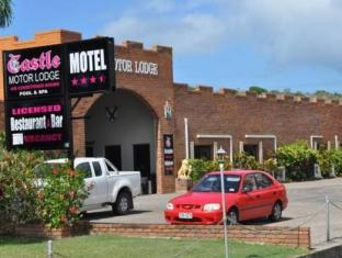 Castle Motor Lodge Whitsundays - Hotellet indefra