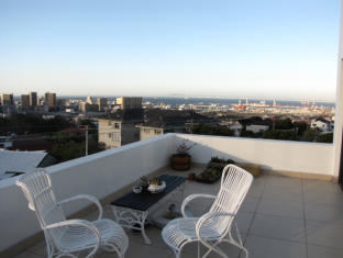 Cape View Accommodation Guesthouse Cape Town - Balcony Views