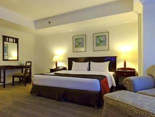 Greenstone Serviced Residences Makati Manila - 3 Bedroom Master's Bedroom