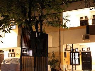 Lagura Residence Guest House