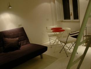 Rent Flats in Rome Monti Rome - Apartment - Ciancaleoni Street