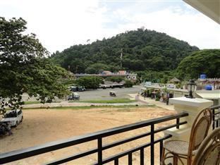 Chan Rith Guesthouse Kep - mountain view
