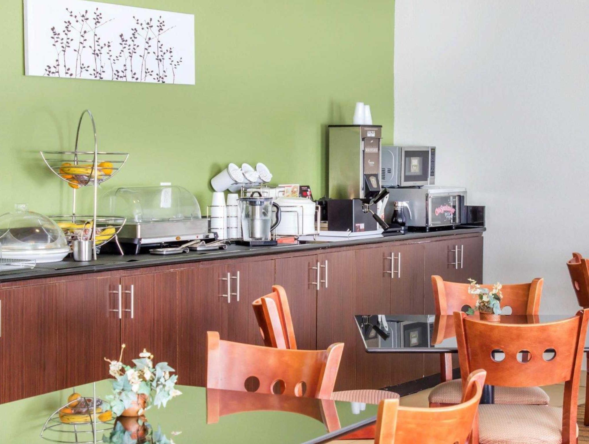 Hotel Paragon Village Apartment Studio by Yenia 6 - Jalan Kampung Galuga - Tangerang