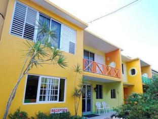 expedia Carib Beach Apartments Bed And Breakfast