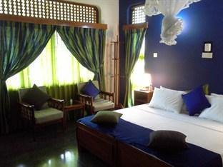 Royal Tourist Lodge Kandy - Double Room with Balcony