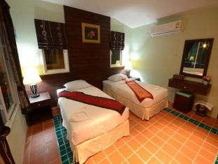 Siray Green Resort Phuket - Guest Room