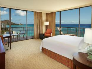Best guest rating in Oahu Hawaii ➦ Maile Sky Court Hotel takes PayPal