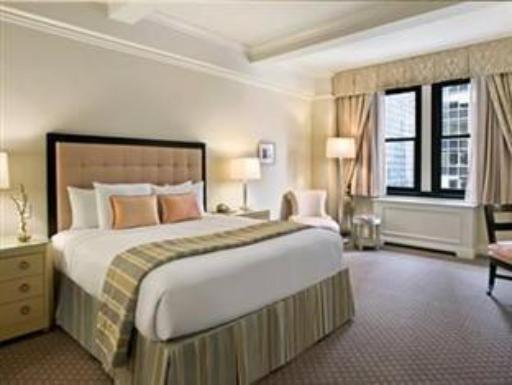 ➦  Warwick International Hotels    (New York) customer rating