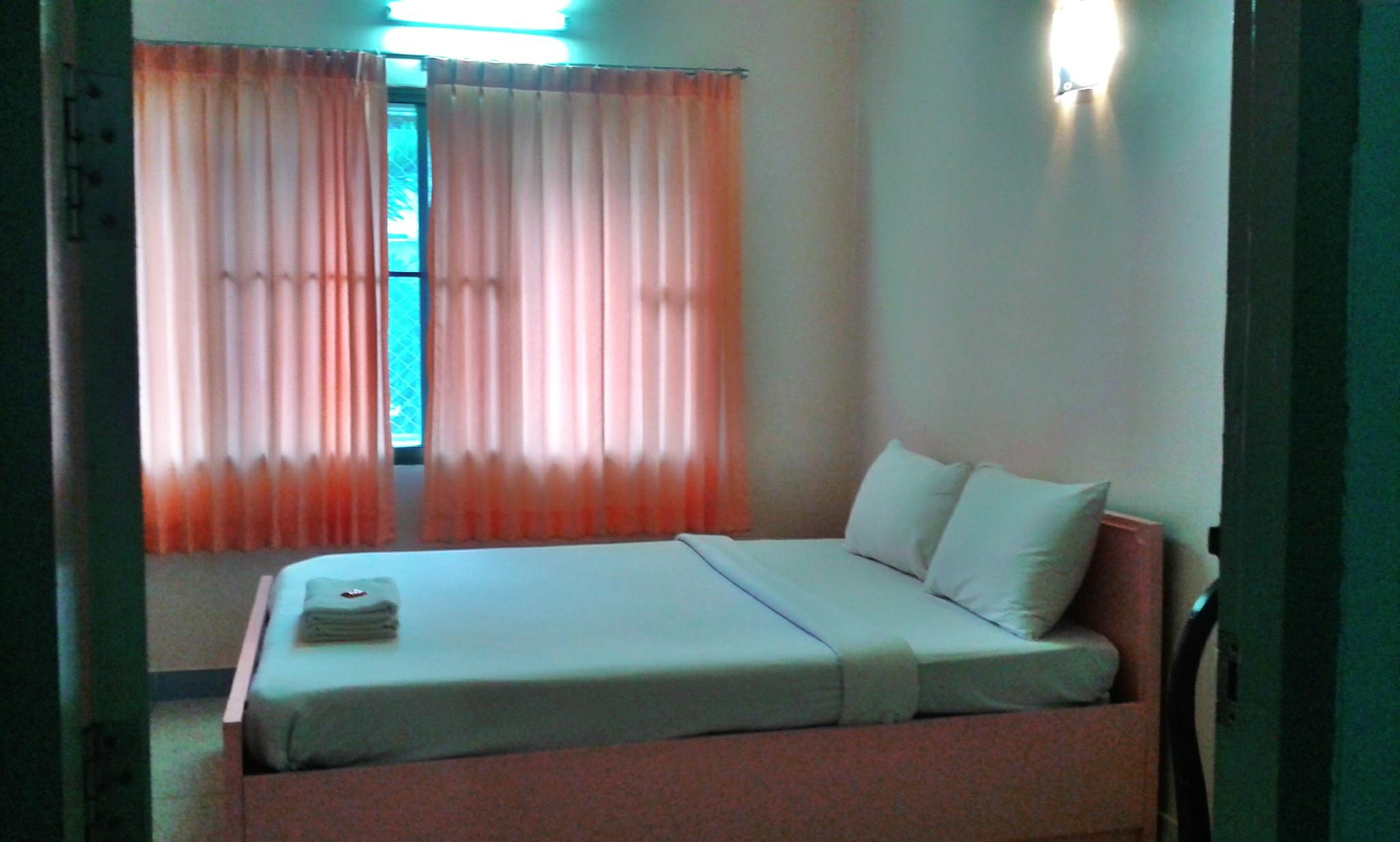 Bedroom for 2 person at Duangthida Apartment