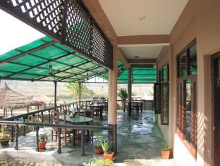 Hotel River Side Chitwan - Restaurant