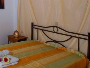 Afroditi Traditional Guesthouse Pigouniana Geropotamou - Guest Room
