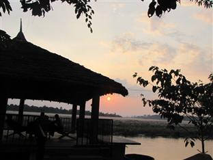 Jungle Sunset Camp Chitwan National Park - Utsiden av hotellet