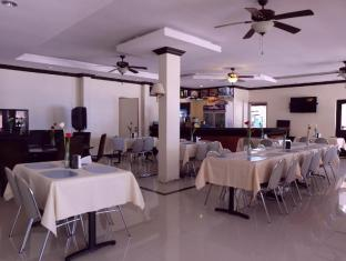 BlueFins Resort otok Mactan  - Restoran