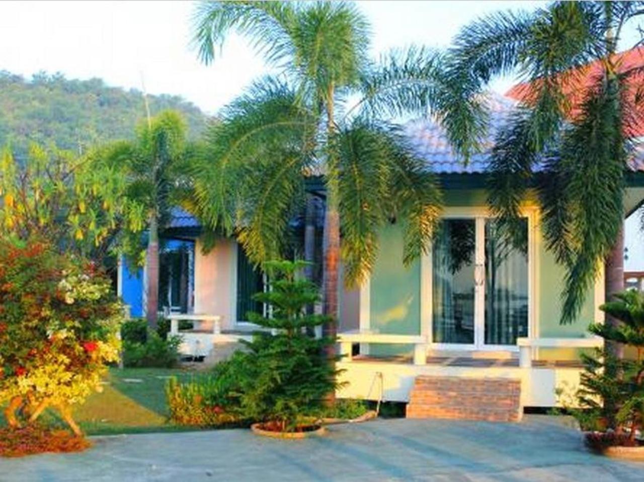ประภาคาร รีสอร์ท (Prapakarn Resort)