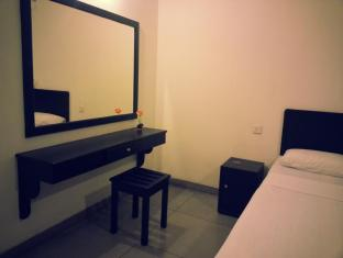 Zenith Home Stay Kandy - Standard Room Interior